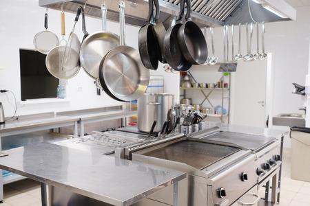 Foto de Professional kitchen in a restaurant - Imagen libre de derechos