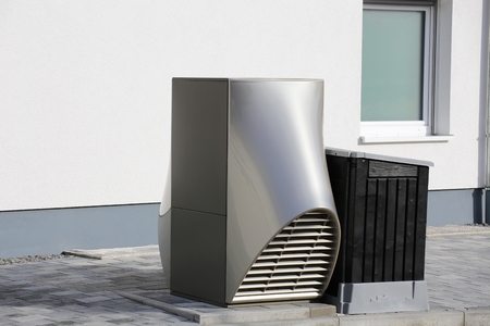 Foto de Heat pump on a residential home - Imagen libre de derechos