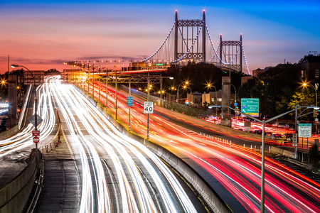 Photo pour Night traffic an light trails on I278 near RFK aka Triboro bridge in New York City - image libre de droit