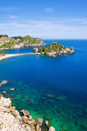 Foto de Isola bella beach, near Taormina - Imagen libre de derechos