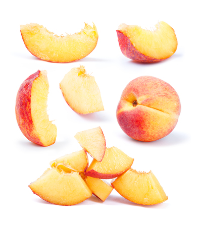 Foto de peach fruit sliced collection isolated on white background - Imagen libre de derechos