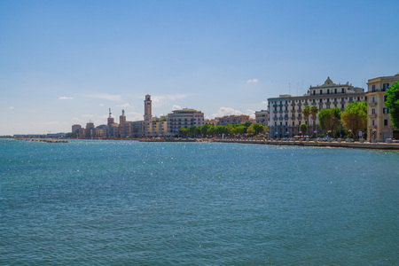 Foto de Bari, Italy - The capital of the Apulia region, a large city on the Adriatic sea, with the historic center named Bari Vecchia and the famous waterfront - Imagen libre de derechos