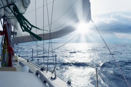 Photo pour Yacht in the open sea - image libre de droit