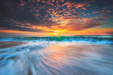 Photo pour Beautiful cloudscape over the sea, sunrise shot - image libre de droit