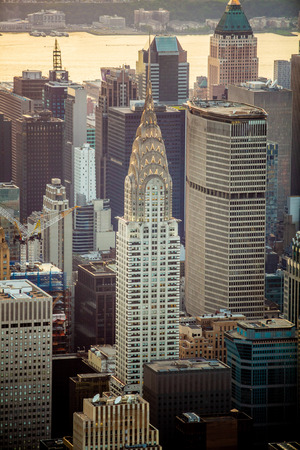 Foto de New York city at sunset aerial view USA - Imagen libre de derechos