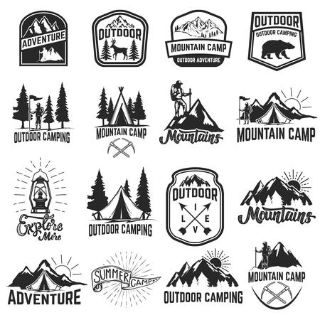 Ilustración de Set of camping emblems isolated on white background. Hiking, tourism, outdoor adventure. Design elements for logo, label, emblem, sign. Vector illustration - Imagen libre de derechos