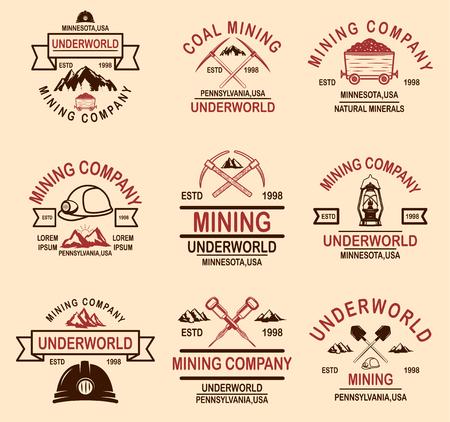 Ilustración de Set of coal mining company emblem templates. Design element for logo, label, emblem, sign, badge. Vector illustration - Imagen libre de derechos