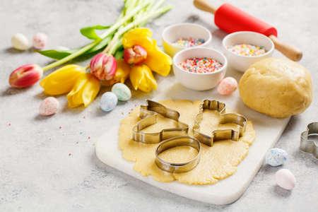 Photo pour Raw Easter cookies - image libre de droit