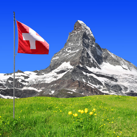 Photo pour Beautiful mount Matterhorn - Swiss alps - image libre de droit