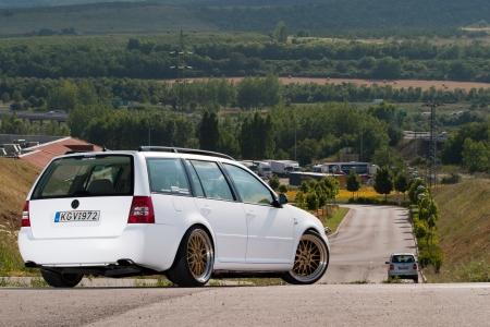 Photo pour Tuned VW Golf Variant on the road - image libre de droit