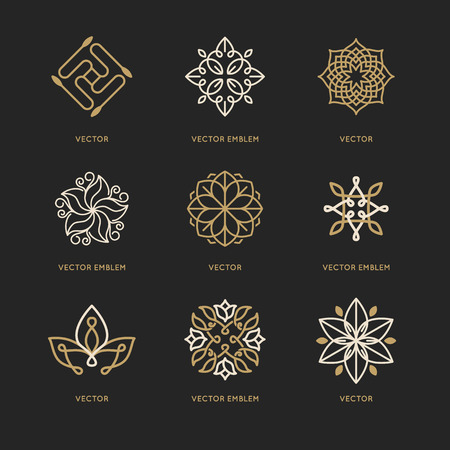 Illustrazione per Vector set of logo design templates and symbols in trendy linear style - organic emblems, natural concepts and alternative medicine and holistic centers signs - Immagini Royalty Free