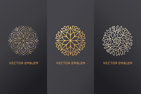 Illustration pour Vector set of design elements, labels and frames for packaging for luxury products in trendy linear style - simple and bright background made with golden foil on black background with copy space for text or logo - image libre de droit