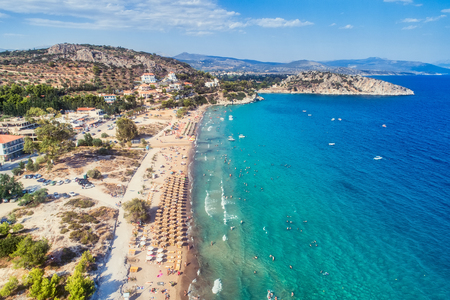 Photo pour Top view of Tolo beach or Psili Ammos is from the most popular tourist resorts of Argolida in Peloponnese, Greece - image libre de droit