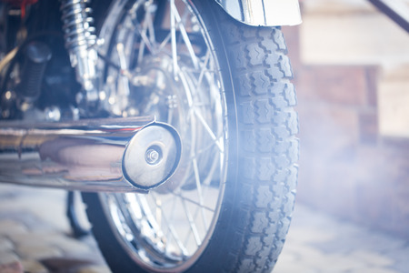 Foto de motorcycle exhaust,Chromed exhaust on a motorcycle - Imagen libre de derechos