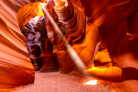 Photo pour Upper Antelope Canyon in the Navajo Reservation near Page, Arizona USA - image libre de droit