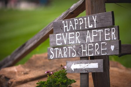 Photo pour Happily Ever After Starts Here sign at wedding venue - image libre de droit