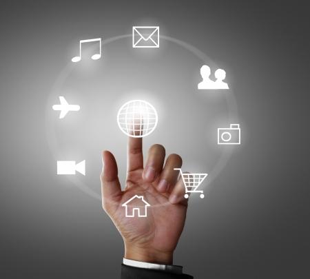 Foto de Business men hand pushing social network structure  - Imagen libre de derechos
