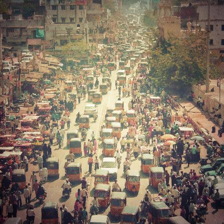 Foto de Crowded street in India - Imagen libre de derechos