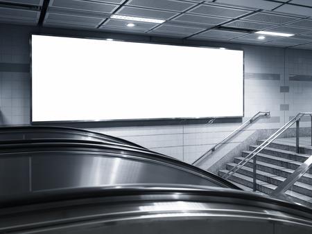 Foto de Blank Horizontal Billboard Banner interior subway station - Imagen libre de derechos