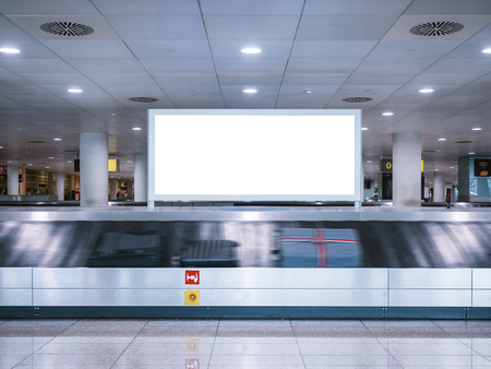 Photo pour Mock up Signboard Airport Luggage Carousel Conveyor with Baggages on conveyor belt - image libre de droit