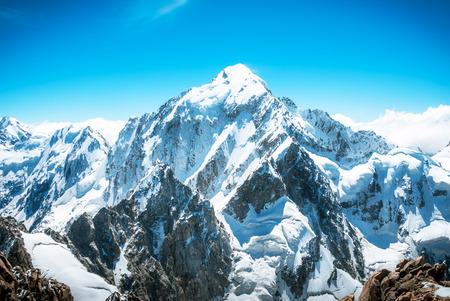 Foto de Snowy mountain peak Everest. National Park Nepal. - Imagen libre de derechos