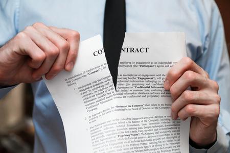 Photo pour Office worm decides to go into freelancing. - image libre de droit