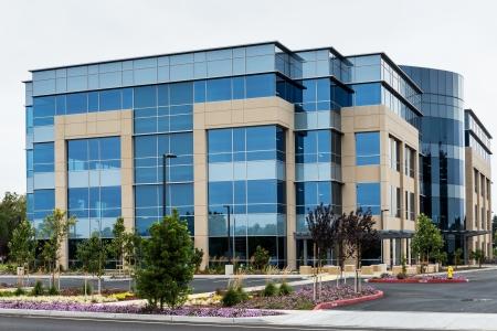 Foto de Modern office building in silicon valley, California  - Imagen libre de derechos
