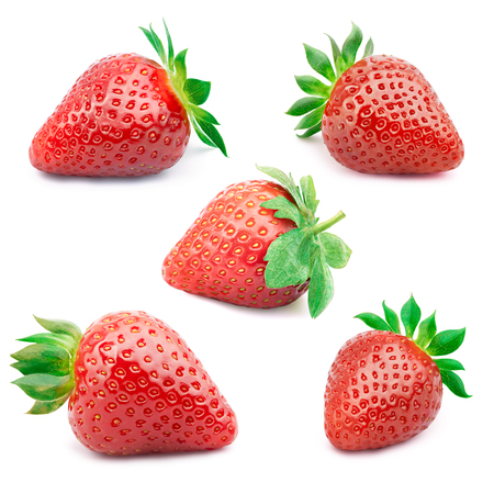 Foto de Set of five perfectly cleaned strawberries with leaves isolated on the white background with clipping path. - Imagen libre de derechos