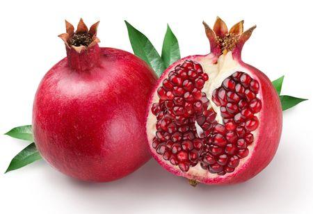 Photo pour pomegranates on a white background - image libre de droit