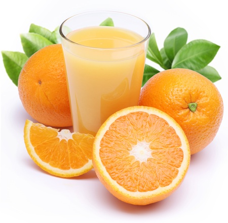 Photo pour Full glass of fresh orange juice and fruits near it. Isolated on a white. - image libre de droit