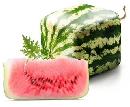 Photo pour Cubic watermelon with slice on a white background.  - image libre de droit