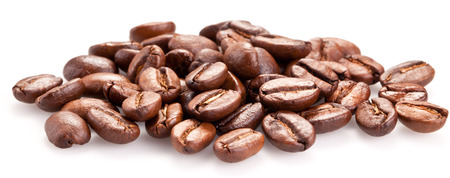 Foto de Roasted coffee beans and solated on a white background. - Imagen libre de derechos