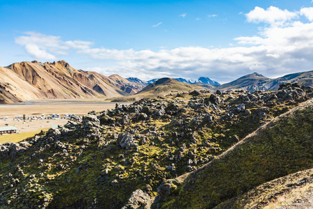 Foto de travel to Iceland - mountains and camping in Landmannalaugar area of Fjallabak Nature Reserve in Highlands region of Iceland in september - Imagen libre de derechos