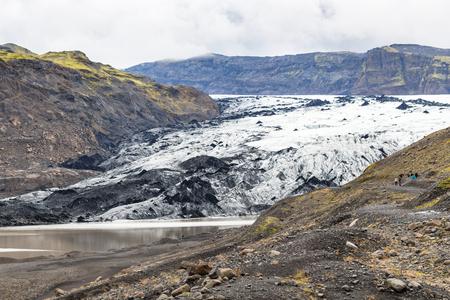 Foto de travel to Iceland - view of Solheimajokull glacier (South glacial tongue of Myrdalsjokull ice cap) in Katla Geopark on Icelandic Atlantic South Coast in september - Imagen libre de derechos