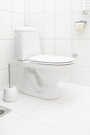 Foto de Toilet in the bathroom - Imagen libre de derechos