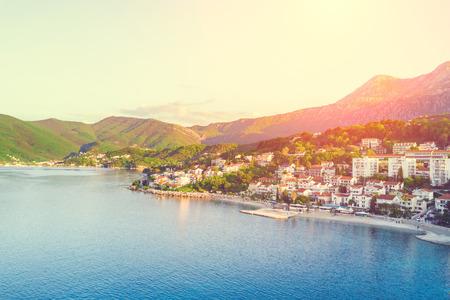 Foto de Top view of seaside resort town. Bay at sunset - Imagen libre de derechos