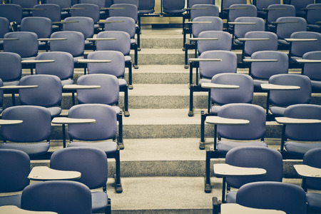 Photo pour An empty large lecture room  University classroom - image libre de droit
