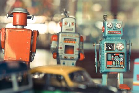 Photo pour old classic robot toys - image libre de droit