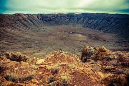 Photo pour Meteor Crater in Arizona. Meteorite Impact Crater Located East of Flagstaff, United States. - image libre de droit