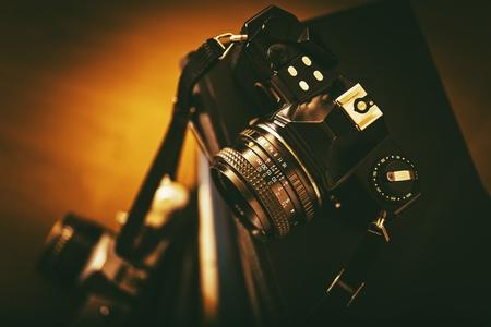 Foto de Vintage Analog Film Cameras Closeup. Vintage Photography Concept. - Imagen libre de derechos