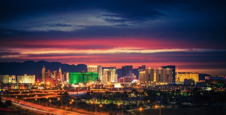 Photo pour City of Las Vegas Skyline at Scenic Dusk. Colorful Lights of the World Famous Sin City. Nevada, United States. - image libre de droit
