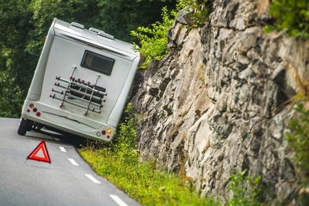 Photo pour RV Camper Van Accident on the Winding Mountain Road. - image libre de droit
