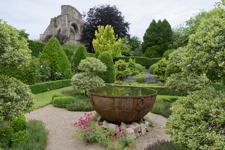 Foto de Water Feature, Abbey House Gardens, Malmesbury, Wiltshire - Imagen libre de derechos