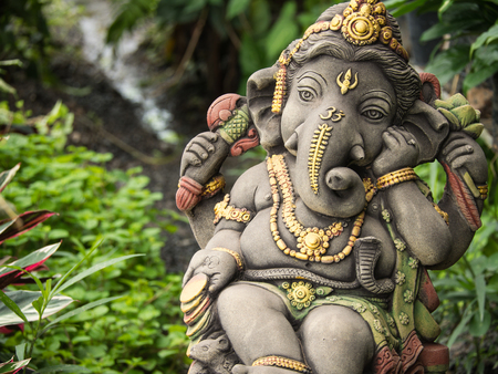 Photo pour Ganesh Statue God of Immortality , Standing in The Garden - image libre de droit