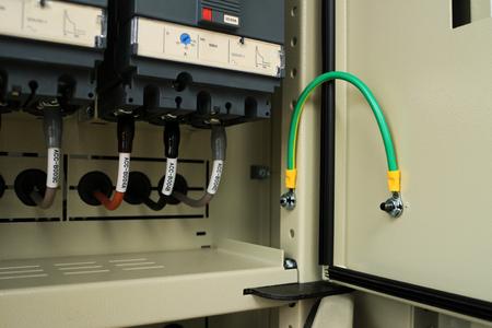 Foto de Ground Bonding for Door of Electrical Panel - Imagen libre de derechos