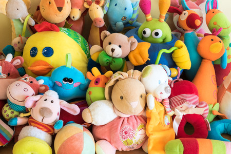 Photo pour Soft toys in a child's bedroom - image libre de droit