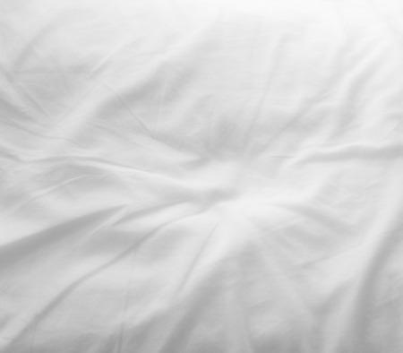 Photo pour soft white bed sheets background - image libre de droit