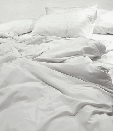 Photo pour messy bed sheets and pillow - image libre de droit