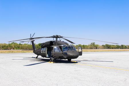 Foto de Military helicopter blackhawk at a base - Imagen libre de derechos