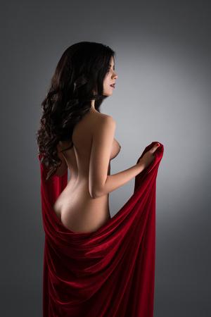 Photo pour Gorgeous longhaired brunette nude rearview - image libre de droit